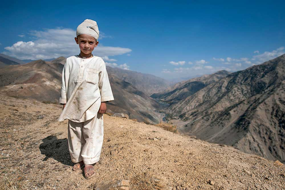 Annabel-Moeller-Bandaged-child-Panjshir-Valley