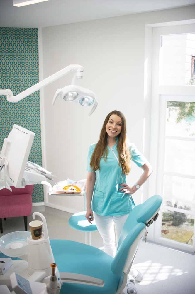 Fulham Dentist, Dental Beautique, Justyna Kamecka, Fulham Road Dentist, SW6 Dentist, Periodontics, Cosmetic Dentistry, Endodontics, Oral Surgery, Dental Implants, Teeth Whitening, Dental Veneers, Facial Aesthetics, Hammersmith and Fulham Locals, Fulham Locals, Hammersmith and Fulham Locals Autumn 2020