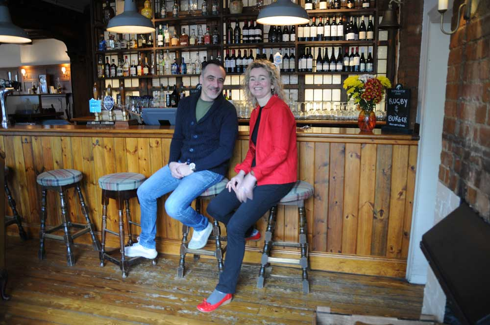 Queens-Head-pub-Chiswick-W4-Max-Aneta