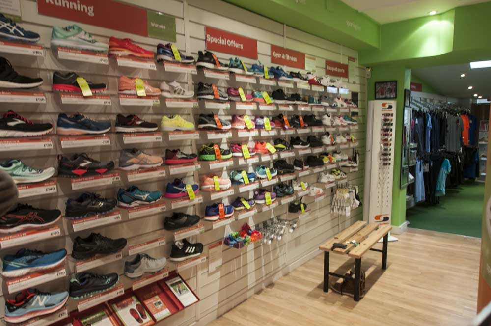 Sports Shoes, Trainers, Shoes, Richmond Sports Shoes, London Sports Shoes, Sporting Feet, Running Shoes, Football Shoes, Hockey Shoes, Tennis Shoes, Netball Shoes, Cricket Shoes, Rugby Shoesor, Fitness Shoes