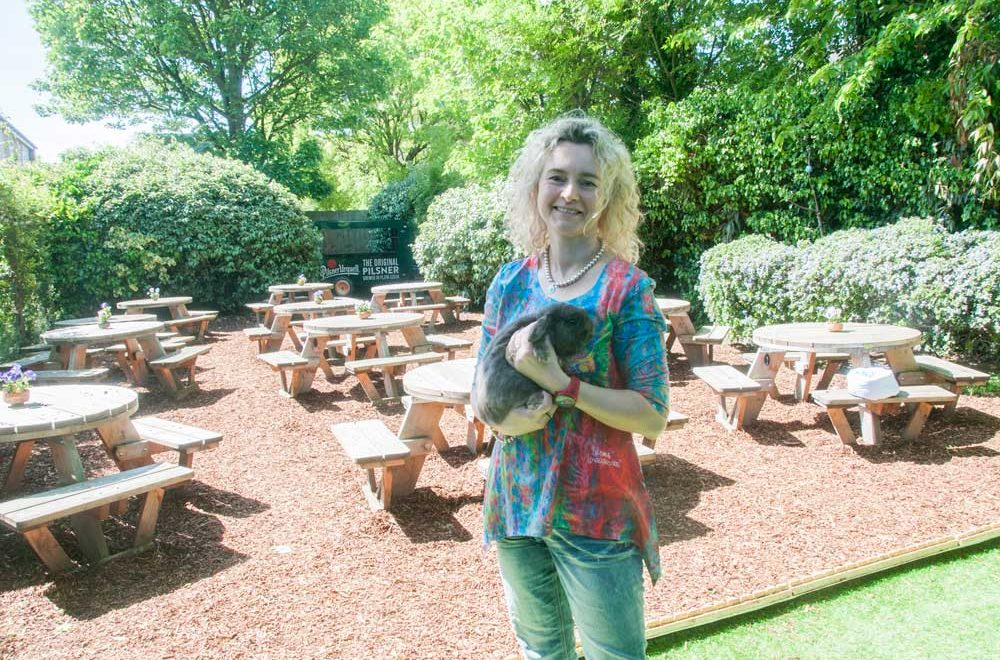 The Queens Head: Summer Supping